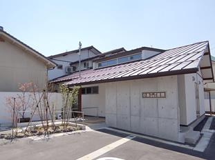 建物は近代的なイメージで設計しました