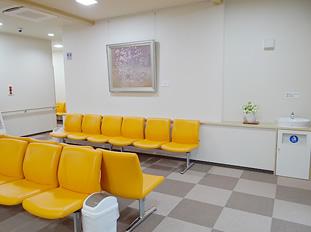 待合室 落ちつける空間を提供します。