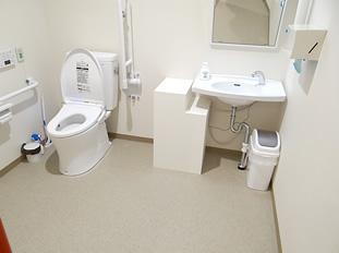 男女共用トイレ 車椅子対応の男女共用トイレ