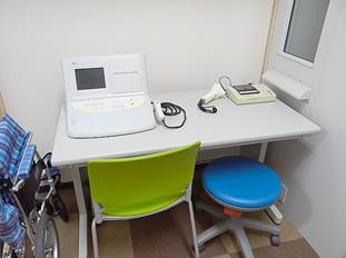 聴力検査機器 主に鼓膜などの検査に使用します。