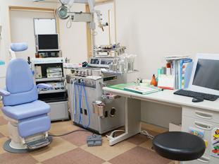 診察室 広く、落ち着いて受診できます。